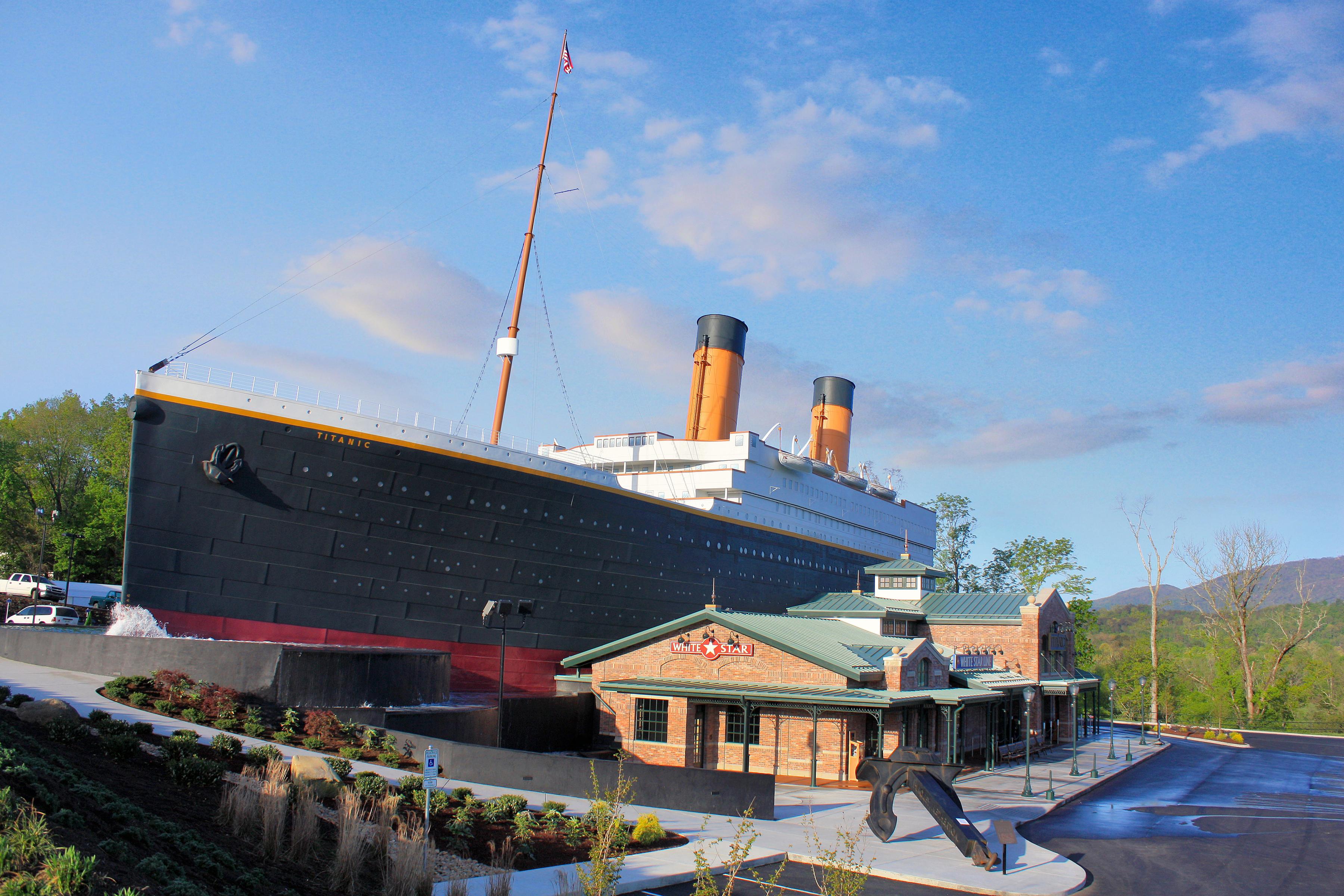 titanic-pf-exterior02